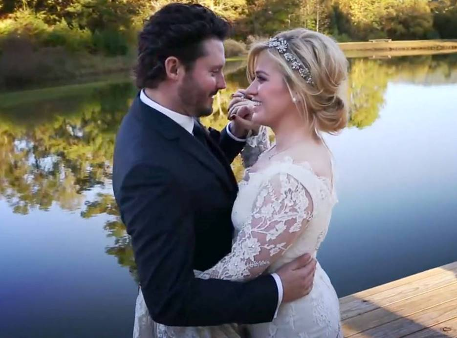 Kelly Clarkson's Wedding Surprised Everyone as They've Originally Called It Off